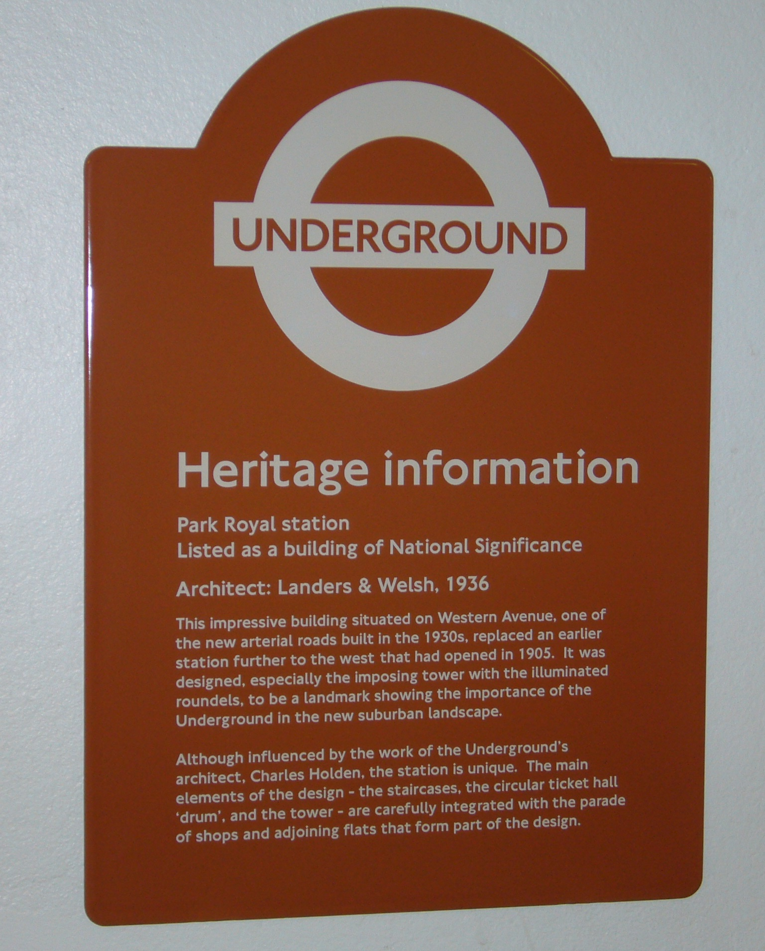 london-underground-heritage-plaque-cropped